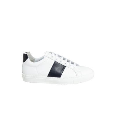 Edition  Sneakers National Standard
