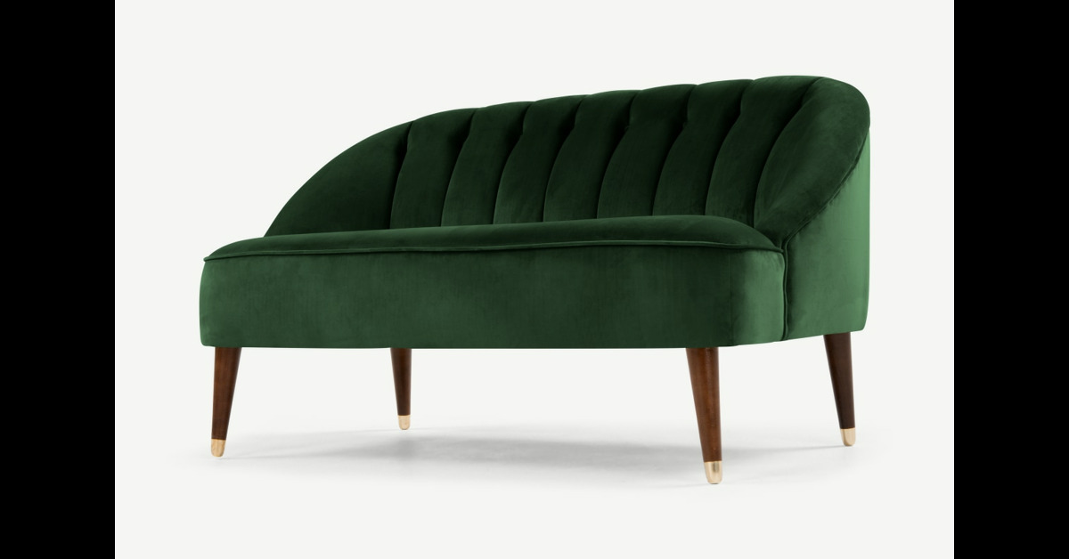 Margot 2-Sitzer Sofa, Samt in Waldgruen - MADE.com