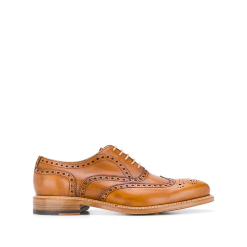 Imagem de Berwick Shoes perforated detail oxford shoes - Marrom