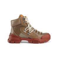 80a7cbf51 Gucci Bota 'Flashtrek' de couro e canvas - Marrom | iLovee